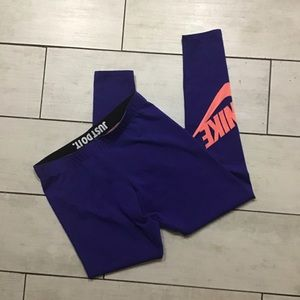 Nike leggings size medium